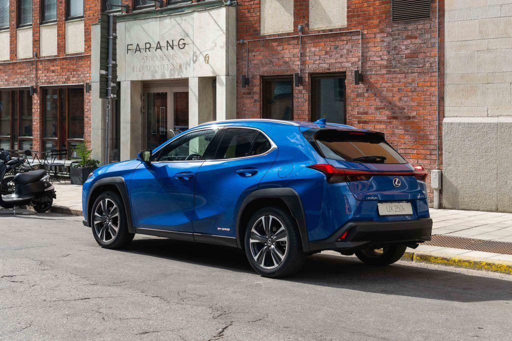 2019 Lexus UX 250h blue