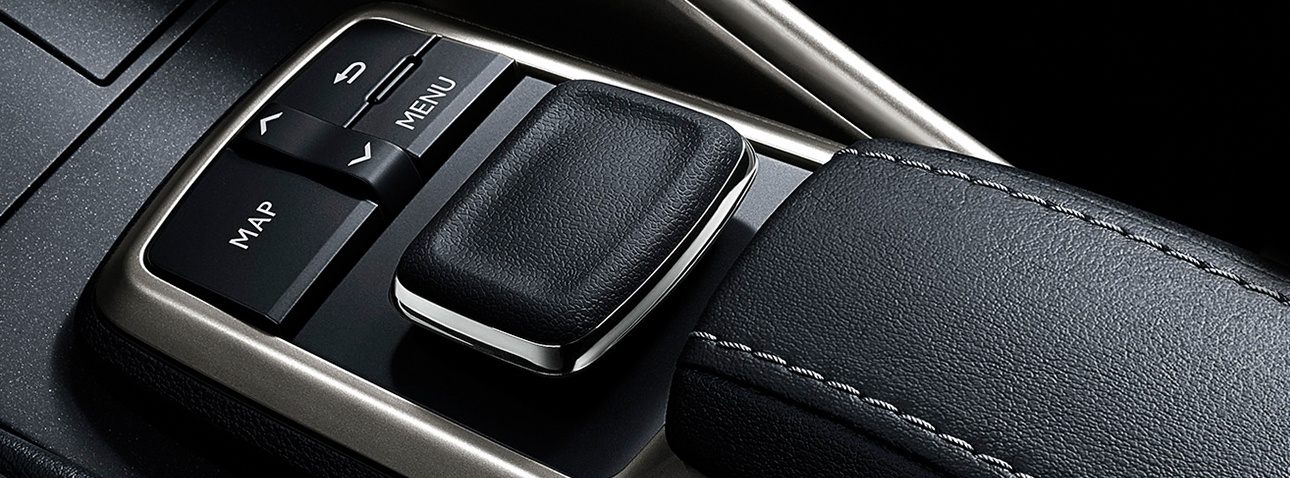 lexus-2019-is-features-technology-remote-touch-control-x