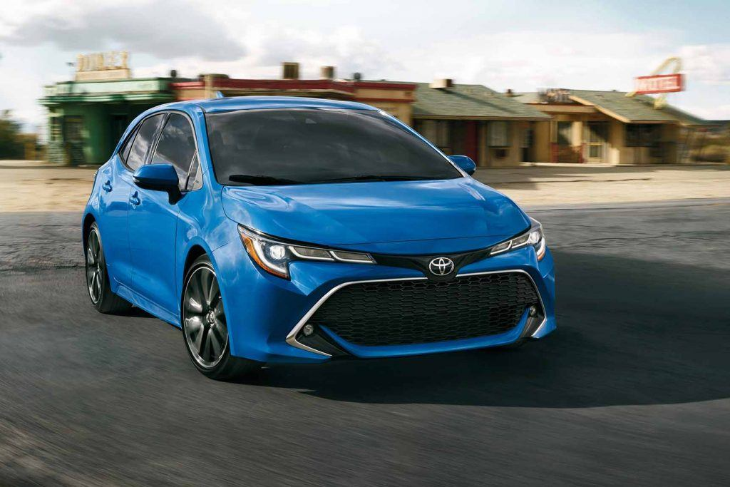 2019-corolla-hatchback-features-performance-blue-flame-l