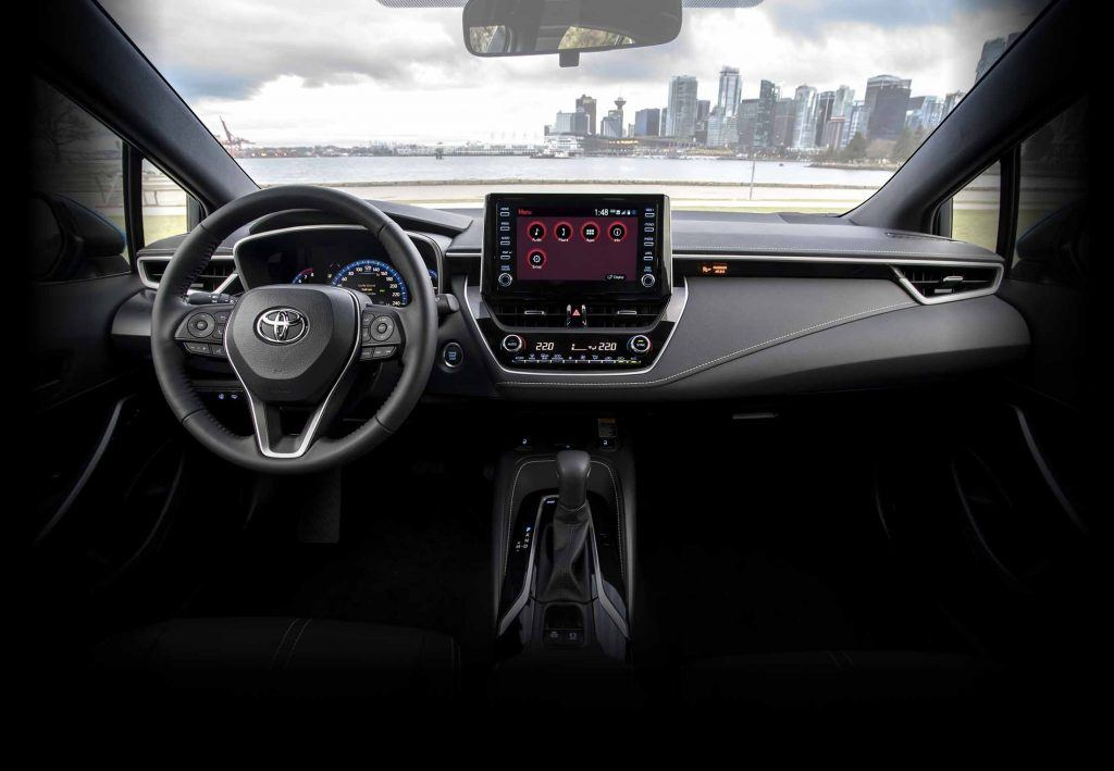 2019-corolla-hatchback-features-technology-entune-audio-l