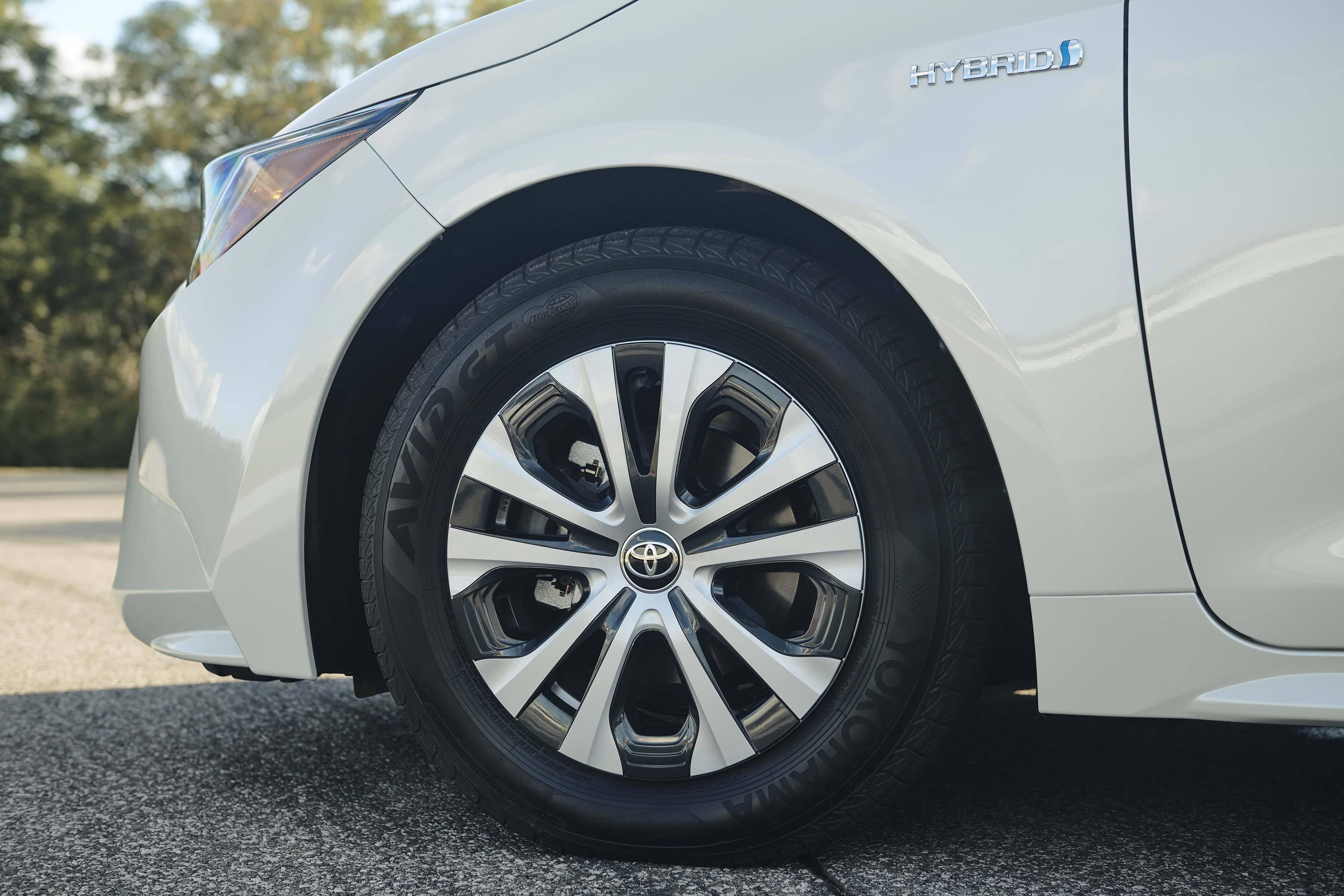 2020 Toyota Corolla Hybrid_Wheels