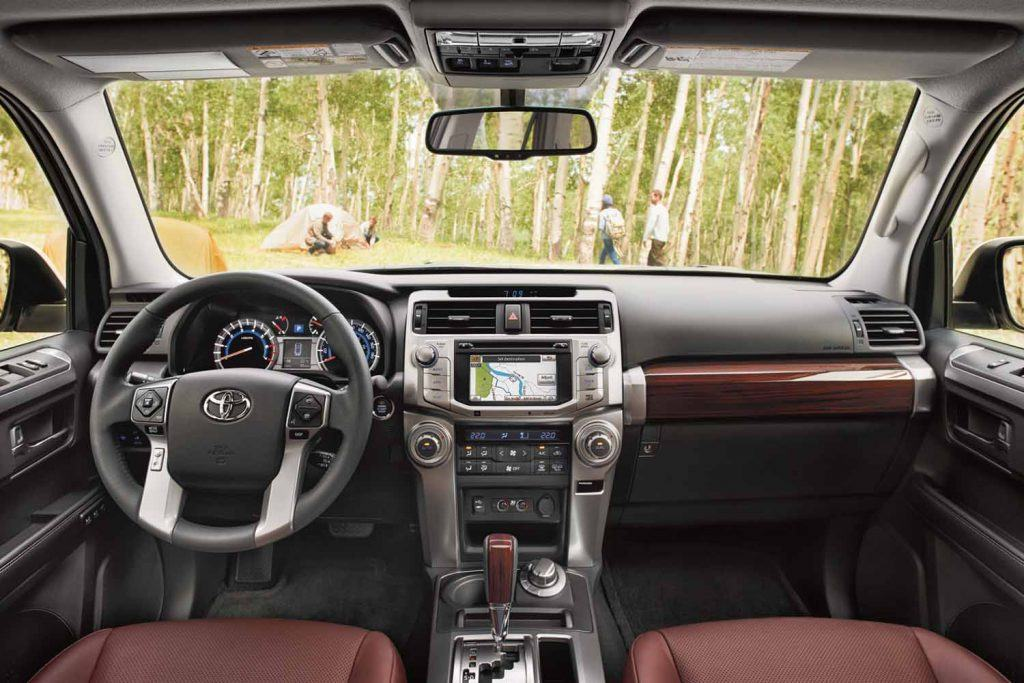 toyota-2019-4runner-interior-dashboard-l