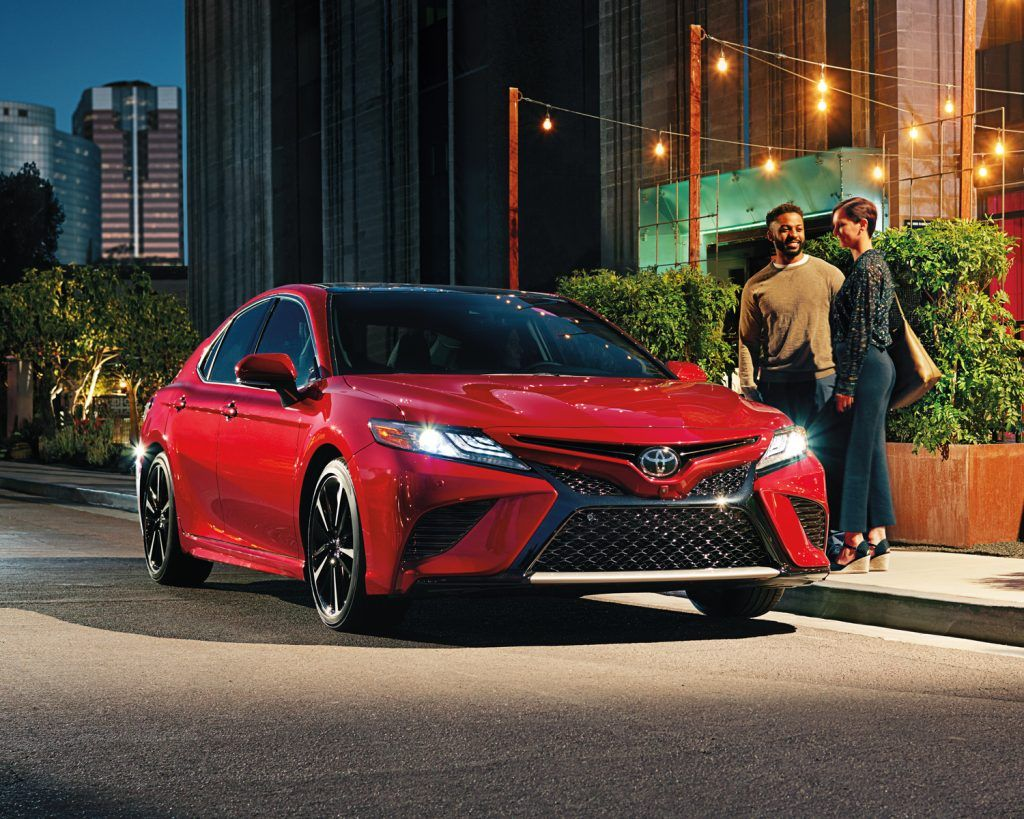 toyota-2019-camry-xse-v6-supersonic-red-l