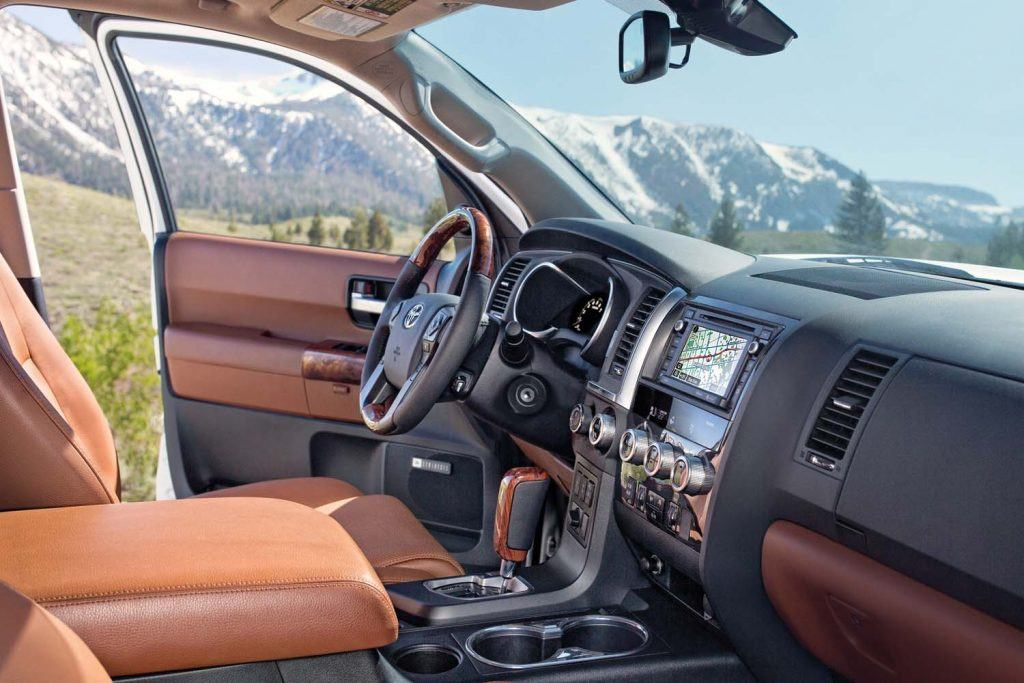toyota-2019-sequoia-trd-sports-package-display-audio-system-with-navigation-l