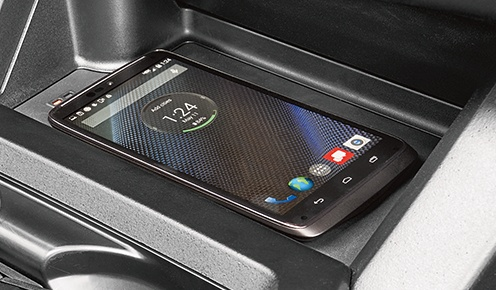 toyota-2019-tacoma-features-technology-qi-wireless-charging-l